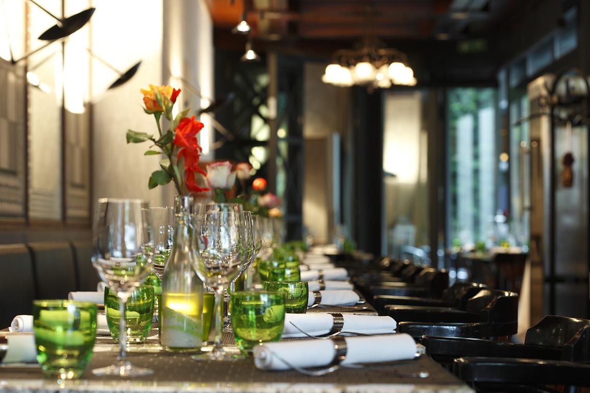 kulinarische geheimtipps rund ums schauspielhaus pfauen zko. Black Bedroom Furniture Sets. Home Design Ideas